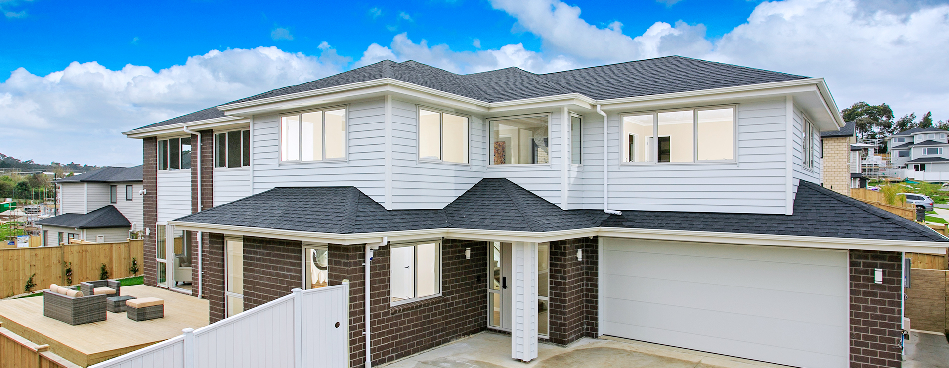 roof-painting-2 Exterior Painting Increases the Value of your home in Auckland